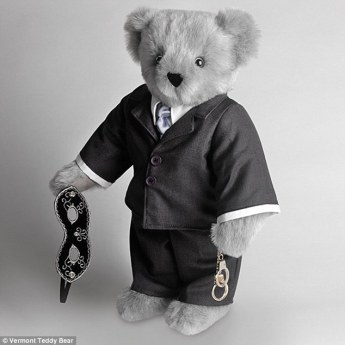 24D7944F00000578-2916963-_Dominate_this_Valentine_s_Day_The_Fifty_Shades_of_Grey_bear_has-a-3_1421685395077