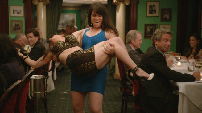 broadcity_110_abbi_carrying_ilana
